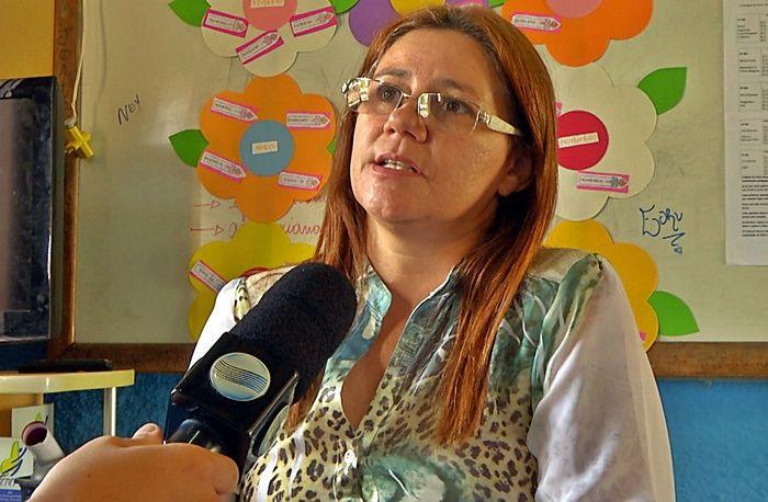 Diretora interina da Escola Epaminondas Castelo Branco, Elione Fernandes Pessoa. (Foto: João Júnior / Rede Meio Norte)