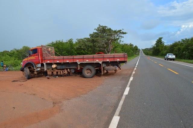 A colisão aconteceu na zona rural de Buriti dos Lopes. (Foto: Frank Cardoso / Portal Boca do Povo)