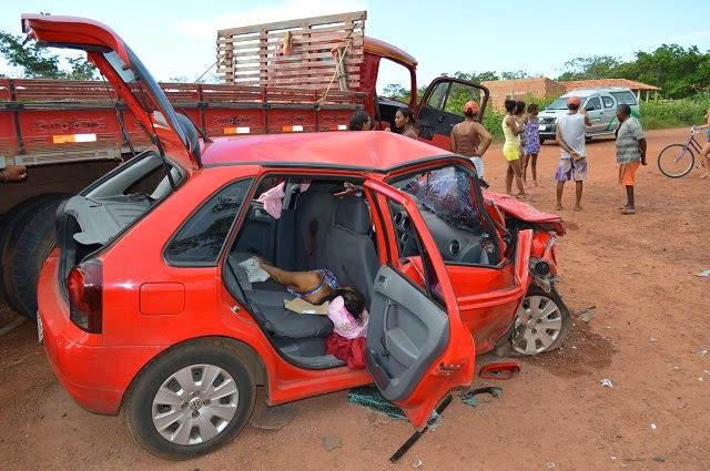 Mulher não resistiu aos ferimentos e teve morte imediata. (Foto: Frank Cardoso / Boca do Povo)
