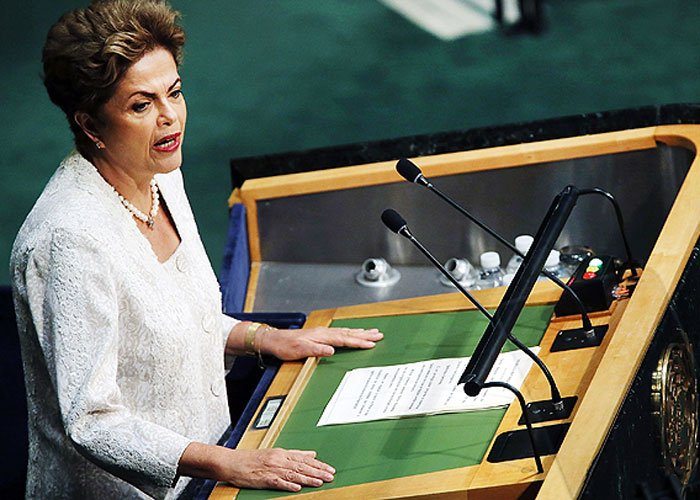 Dilma sanciona reforma política, mas veta doação de empresa a campanha