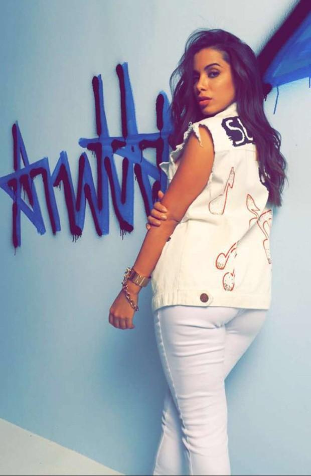 Anitta em ensaio (Crédito: Reprodução)