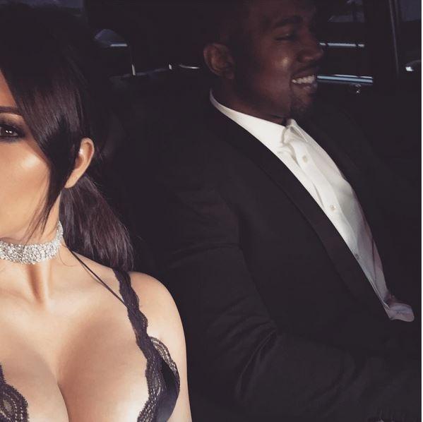 Kim Kardashian sexy  com marido (Crédito: Reprodução Instagram)