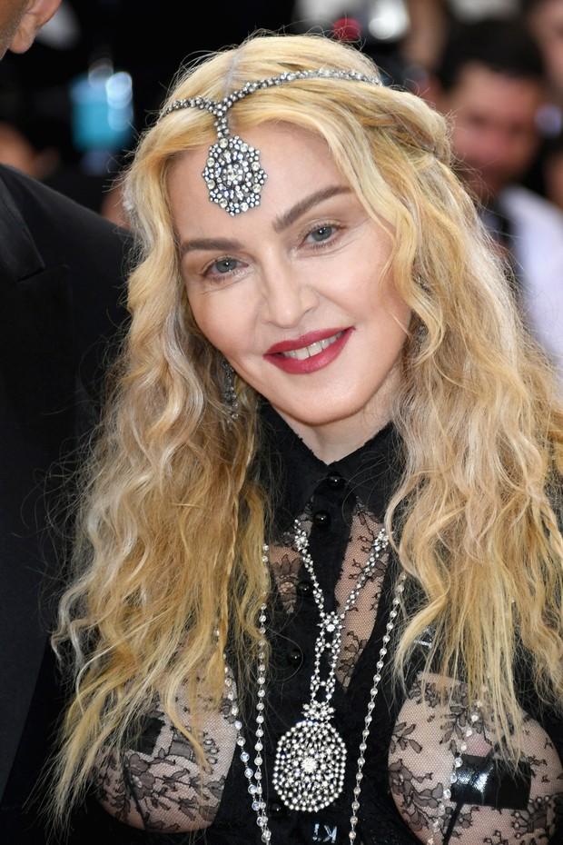 Diva do pop causou polêmica com seu look  (Crédito: Divulgação)