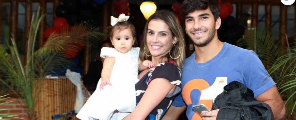 Deborah Secco e Hugo postam vídeo da filha falando pela 1ª vez ...